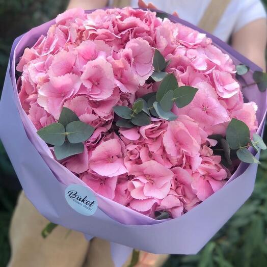 Букет розовых гортензий