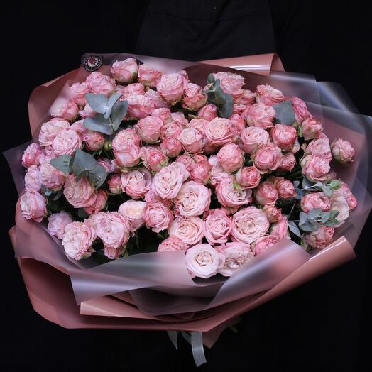 25 bush peony-shaped roses + eucalyptus