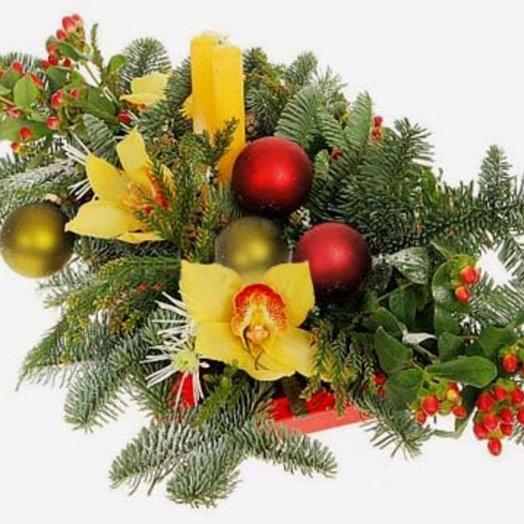 Новогодняя композиция Лесная нимфа: букеты цветов на заказ Flowwow
