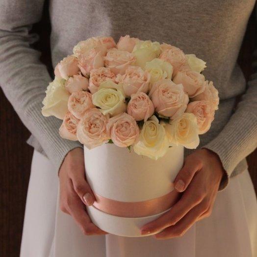 Розочки в шляпной коробке: букеты цветов на заказ Flowwow