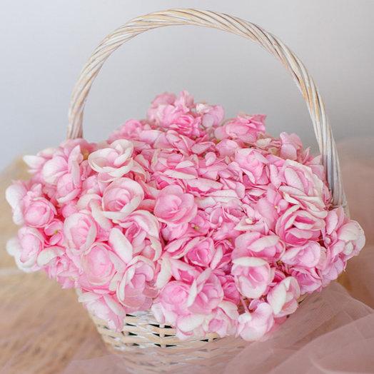 Корзинка гортензий  Нежность: букеты цветов на заказ Flowwow