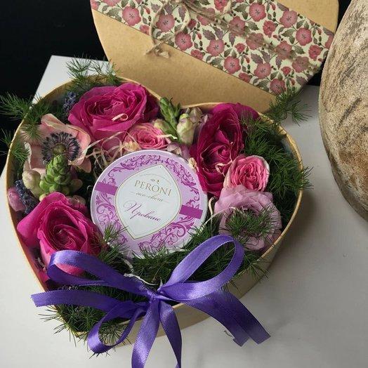 Композиция в коробочке-сердце с ароматной эко-свечей: букеты цветов на заказ Flowwow