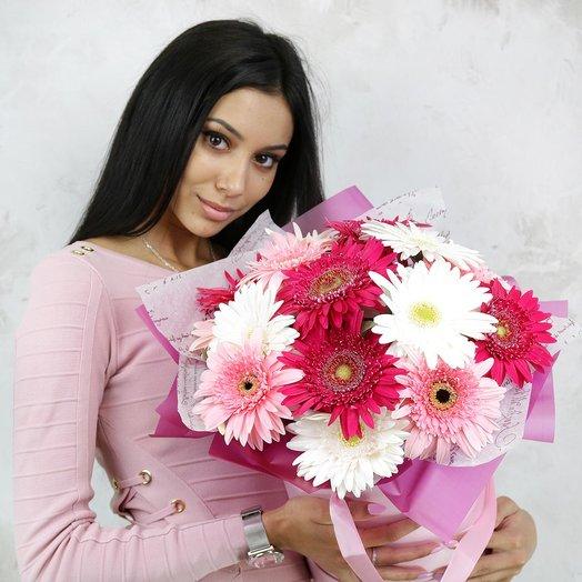 Композиция из гербер в шляпной коробке: букеты цветов на заказ Flowwow