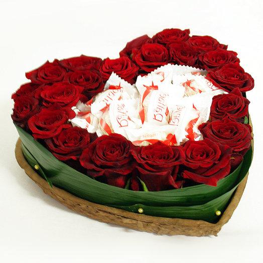 Сердце Вкус любви: букеты цветов на заказ Flowwow