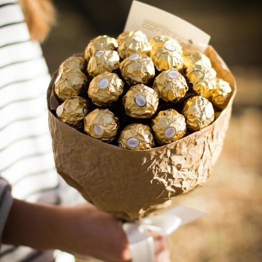 Сладкий букет из конфет Ферреро Роше 44: букеты цветов на заказ Flowwow