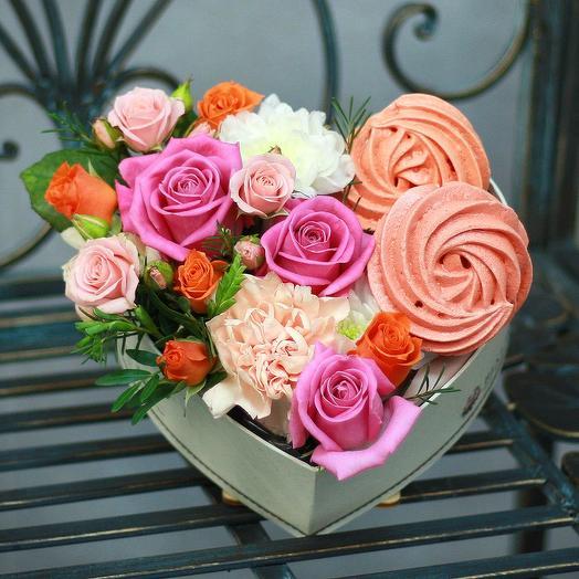 "Коробочка сердце с безе ""Для тебя"": букеты цветов на заказ Flowwow"