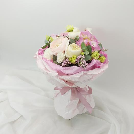 Букет с ранункулюсами и гортензией: букеты цветов на заказ Flowwow