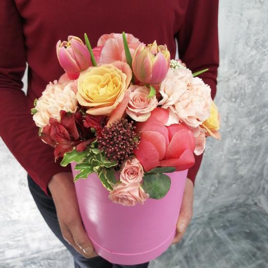 """Композиция с пионами в коробке """": букеты цветов на заказ Flowwow"""