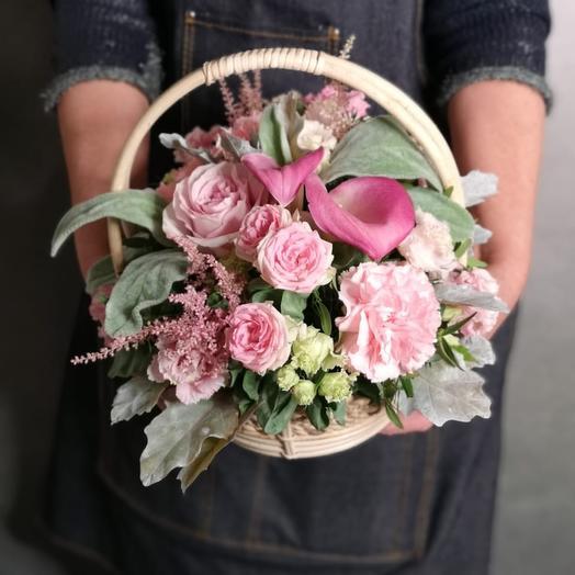 Корзина Розовое облако: букеты цветов на заказ Flowwow