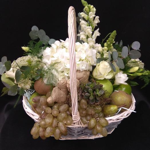 Композиция - Корзина с фруктами: букеты цветов на заказ Flowwow