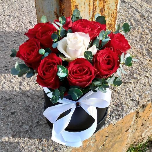 Коробочка роз Для тебя: букеты цветов на заказ Flowwow
