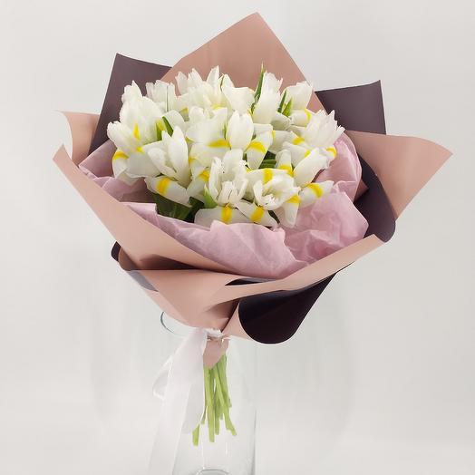 Букет из белых ирисов: букеты цветов на заказ Flowwow