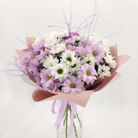 Букет из ромашковых хризантем и стифы: букеты цветов на заказ Flowwow