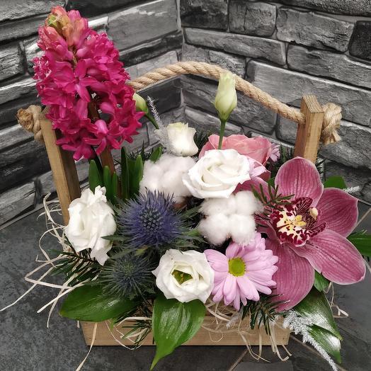 Ароматный ящичек с цветами: букеты цветов на заказ Flowwow