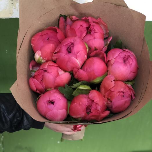 Пионы Сара Бернар розовые в крафтовой упаковке 9 Шт: букеты цветов на заказ Flowwow