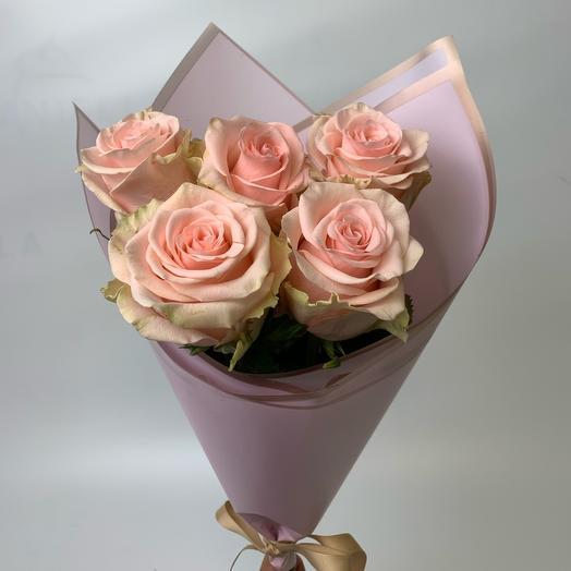 Букет из 5 розовых роз: букеты цветов на заказ Flowwow