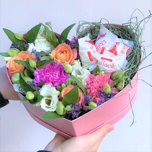 """Коробка сердце с цветами """"Сладкая Любовь"""""""