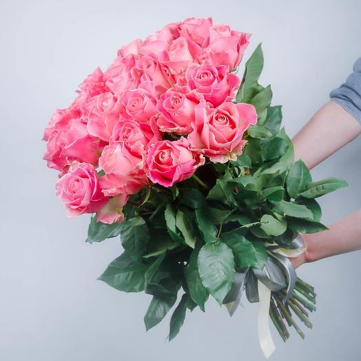 25 розовых роз премиум класса