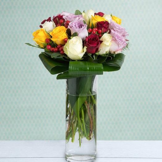 23 разноцветных розы