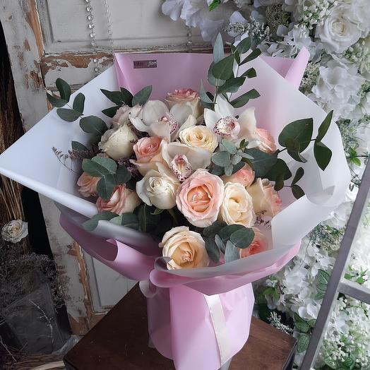 Принцесса. Нежные розы и орхидеи