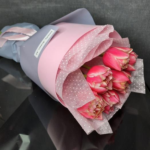 7 пионовидных тюльпанов