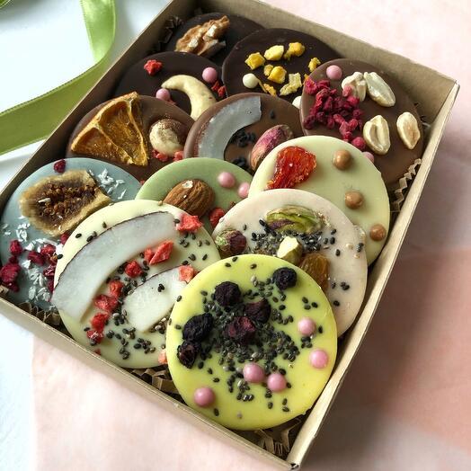 Шоколадные медианты 12 шт коробка Крафт