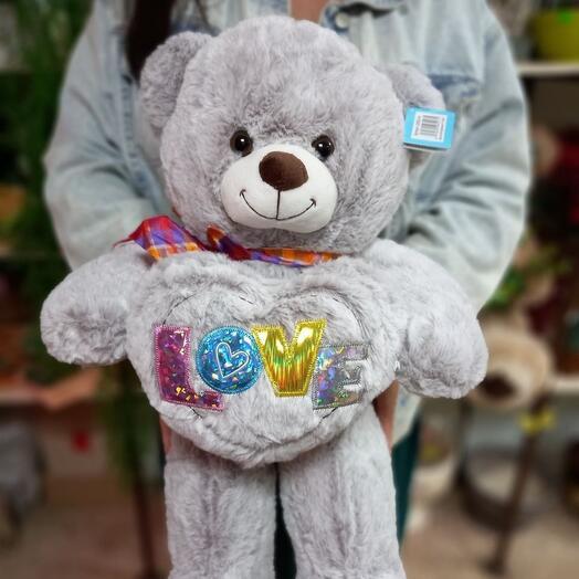 Плюшевый серый медведь LOVE