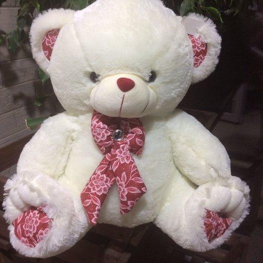 Медвежонок с красным бантом