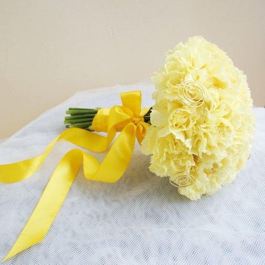 Букет из 21 желтой гвоздики: букеты цветов на заказ Flowwow