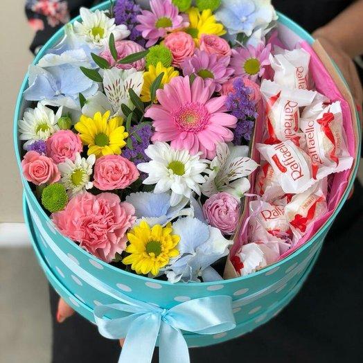 Коробка микс с рафаэло : букеты цветов на заказ Flowwow