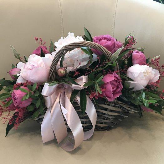 Корзина с Пионами : букеты цветов на заказ Flowwow