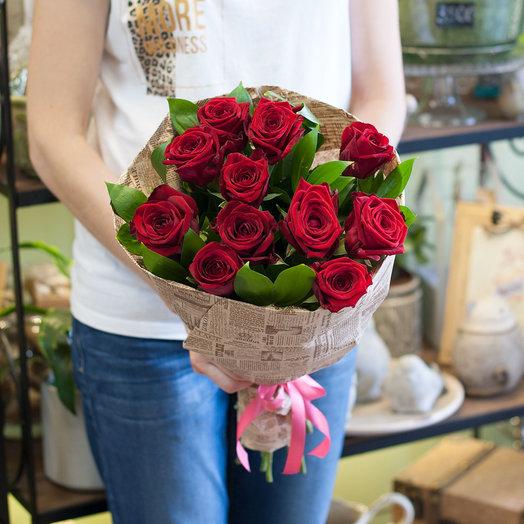 Букет роз 11 роз Ред Наоми: букеты цветов на заказ Flowwow