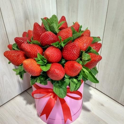 Клубника с мятой: букеты цветов на заказ Flowwow
