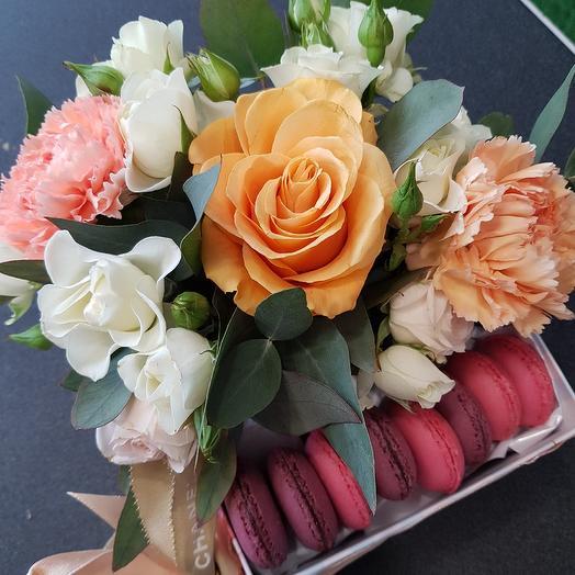 Парижанка: букеты цветов на заказ Flowwow