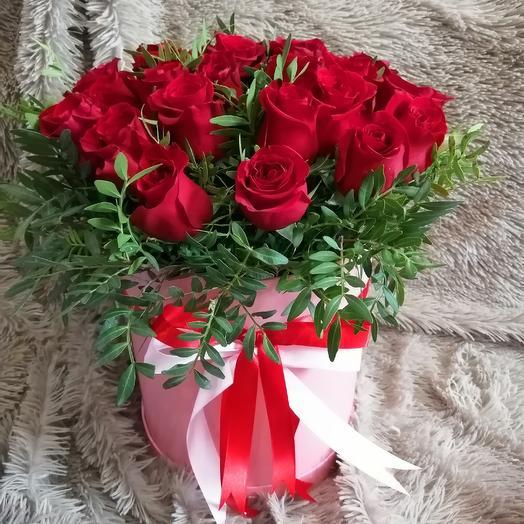 Коробочка шляпная с 25 красных роз 🤩🥰