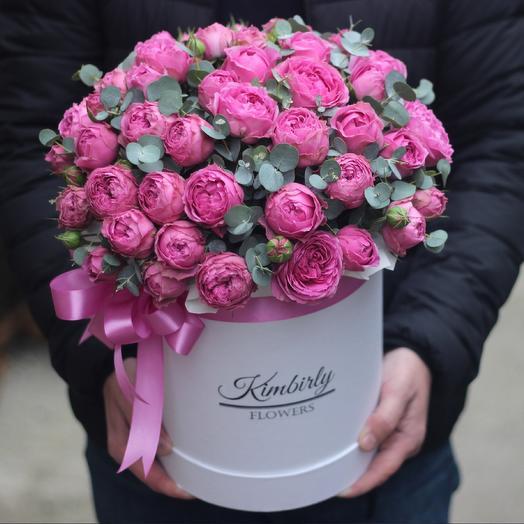 Peony roses in box