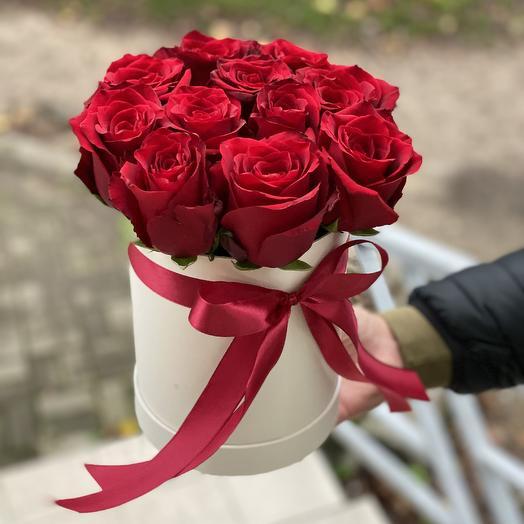 11 роз в Коробке: букеты цветов на заказ Flowwow