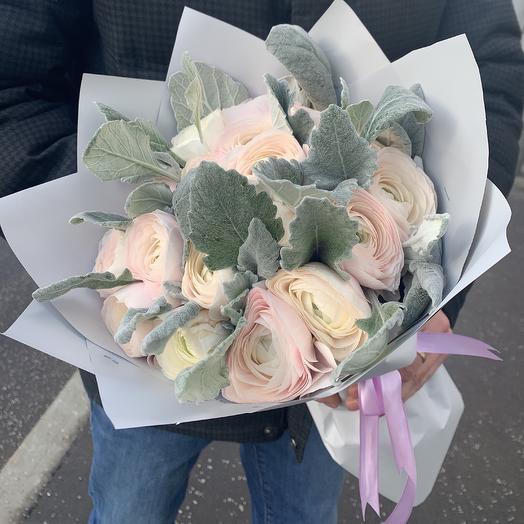 29 ранункулюсов Ханой: букеты цветов на заказ Flowwow