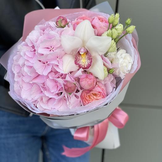 Bouquet of hydrangea, peony rose Bush and Paradise Orchid flower