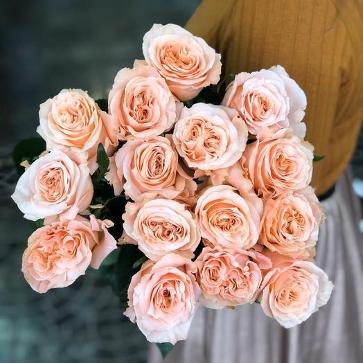 15 роз кремовых роз