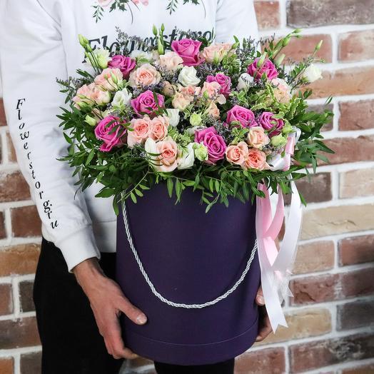 Авторская коробка роз с эустомой. N911