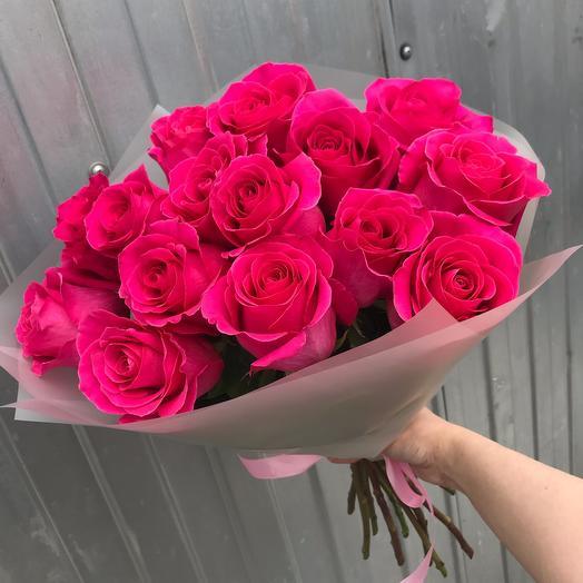 Роскошный букет из 15 роз