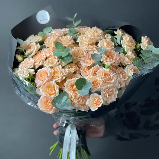 Большой монобукет из роз