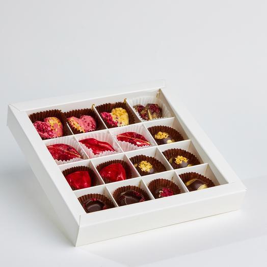 Набор из 16 конфет