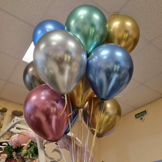 15 зеркальных шаров с гелием