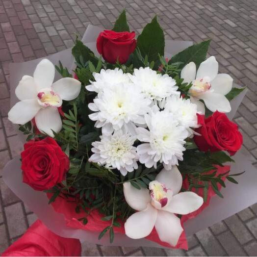 Букет роз с орхидеями