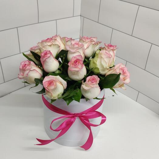 Роза в коробке джумилия