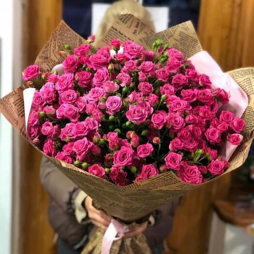 Букет кустовых роз Малина