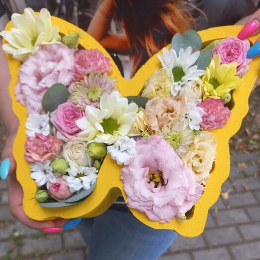 Цветы в коробке Бабочка