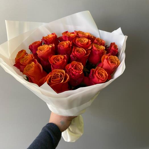 Букет из 19 шикарных роз
